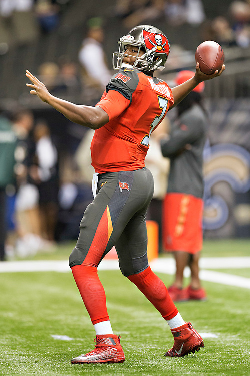 NEW ORLEANS, LA - SEPTEMBER 20:  Jameis Winston #3 of the Tampa Bay Buccaneers warming up before a game against the New Orleans Saints at Mercedes-Benz Superdome on September 20, 2015 in New Orleans Louisiana. The Buccaneers defeated the Saints 26-19. (Photo by Wesley Hitt/Getty Images) *** Local Caption *** Jameis Winston