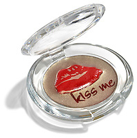 kiss me lip pallette in red and gold shimmer