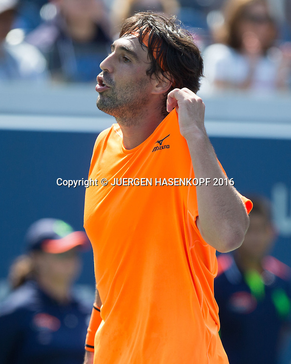 MARCOS BAGHDATIS (CYP) reagiert enttaeuscht,Aerger,Frust,Emotion,<br /> <br /> Tennis - US Open 2016 - Grand Slam ITF / ATP / WTA -  USTA Billie Jean King National Tennis Center - New York - New York - USA  - 4 September 2016.