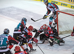 20.12.2016, Keine Sorgen Eisarena, Linz, AUT, EBEL, EHC Liwest Black Wings Linz vs HC TWK Innsbruck Die Haie, 33. Runde, im Bild Brian Lebler (EHC Liwest Black Wings Linz) vor Tormann Andy Chiodo (HC TWK Innsbruck Die Haie) // during the Erste Bank Icehockey League 33rd round match between EHC Liwest Black Wings Linz and HC TWK Innsbruck Die Haie at the Keine Sorgen Icearena, Linz, Austria on 2016/12/20. EXPA Pictures © 2016, PhotoCredit: EXPA/ Reinhard Eisenbauer