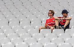 22.06.2016, Stade de France, St. Denis, FRA, UEFA Euro 2016, Island vs Oesterreich, Gruppe F, im Bild Österreich Fan enttäuscht nach dem Ausscheiden in der Gruppenphase // Austrian Fans disappointed after stopp at the group stage during Group F match between Iceland and Austria of the UEFA EURO 2016 France at the Stade de France in St. Denis, France on 2016/06/22. EXPA Pictures © 2016, PhotoCredit: EXPA/ JFK