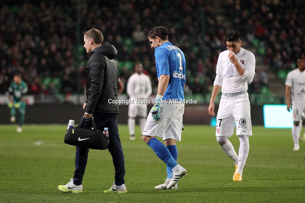 SORTIE BLESSURE Johann CARRASSO  - 07.03.2015 -  Rennes / Metz -  28eme journee de Ligue 1 <br />Photo : Vincent Michel / Icon Sport