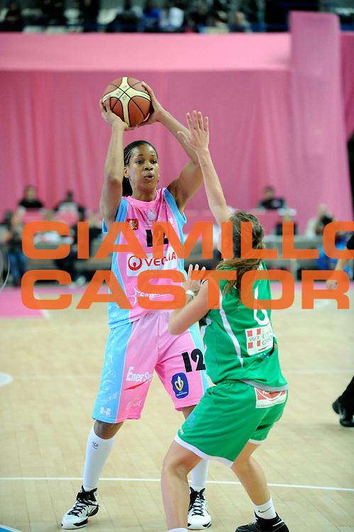 DESCRIZIONE : Ligue Feminine de Basket Ligue  1 Journee &agrave; Paris<br /> GIOCATORE : AMANT Marielle<br /> SQUADRA : Arras<br /> EVENTO : Ligue Feminine 2010-2011<br /> GARA : Arras Challes<br /> DATA : 16/10/2010<br /> CATEGORIA : Basketbal France Ligue Feminine<br /> SPORT : Basketball<br /> AUTORE : JF Molliere par Agenzia Ciamillo-Castoria <br /> Galleria : France Basket 2010-2011 Action<br /> Fotonotizia : Ligue Feminine de Basket Ligue 1 Journee &agrave; Paris<br /> Predefinita :