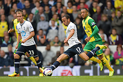 Tottenham's Andros Townsend in action  - Photo mandatory by-line: Mitchell Gunn/JMP - Tel: Mobile: 07966 386802 14/09/2013 - SPORT - FOOTBALL -  White Hart Lane - London - Tottenham Hotspur v Norwich - Barclays Premier League