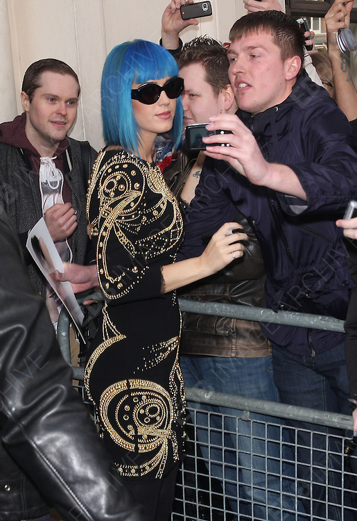 19.MARCH.2012. LONDON<br /> <br /> SINGER KATY PERRY LEAVING THE MAIDA VALE STUDIOS AFTER A LIVE PERFORMANCE ON THE BBC RADIO 1'S LIVE LOUNGE IN LONDON<br /> <br /> BYLINE: EDBIMAGEARCHIVE.COM<br /> <br /> *THIS IMAGE IS STRICTLY FOR UK NEWSPAPERS AND MAGAZINES ONLY*<br /> *FOR WORLD WIDE SALES AND WEB USE PLEASE CONTACT EDBIMAGEARCHIVE - 0208 954 5968*