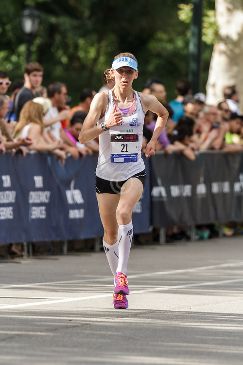 NYRR Oakley Mini 10K for Women: Jodie Robertson, USA