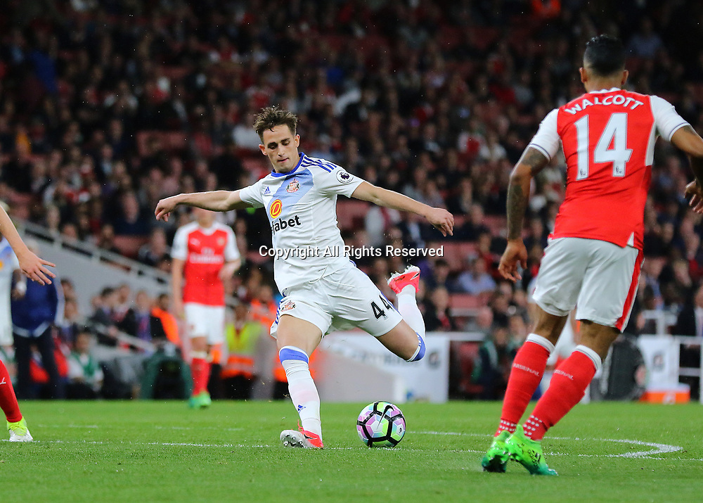 May 16th 2017, Emirates Stadium, Highbury, London, England;  EPL Premier League football, Arsenal FC versus Sunderland; Adnan Januzaj of Sunderland has a shot on goal, but shoots high