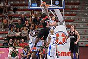 DESCRIZIONE : Trofeo Meridiana Dinamo Banco di Sardegna Sassari - Olimpiacos Piraeus Pireo<br /> GIOCATORE : Othello Hunter<br /> CATEGORIA : Schiacciata Controcampo Fallo<br /> SQUADRA : Olimpiacos Piraeus Pireo<br /> EVENTO : Trofeo Meridiana <br /> GARA : Dinamo Banco di Sardegna Sassari - Olimpiacos Piraeus Pireo Trofeo Meridiana<br /> DATA : 16/09/2015<br /> SPORT : Pallacanestro <br /> AUTORE : Agenzia Ciamillo-Castoria/L.Canu
