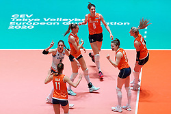 10–01-2020 NED: Olympic qualification tournament women Netherlands - Poland, Apeldoorn<br /> The Dutch volleyball players lost the third group match of the OKT in Apeldoorn 3-1 against Poland / Robin de Kruijf #5 of Netherlands, Anne Buijs #11 of Netherlands, Nika Daalderop #19 of Netherlands