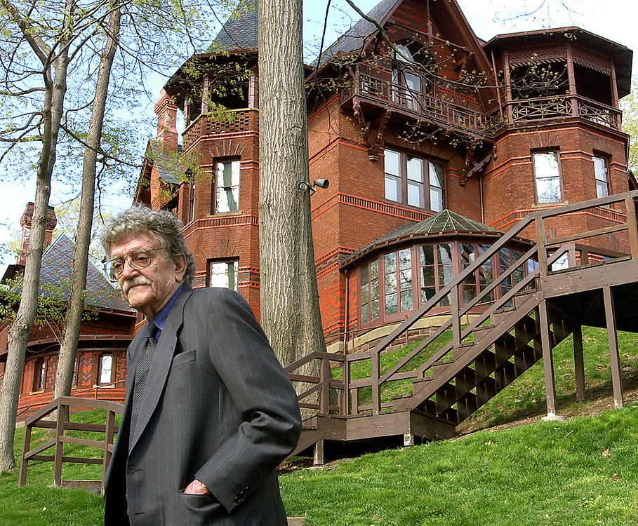 Cit4/30/03  Photo by Mara Lavitt- Vonnegut&amp;Twain<br /> ML0067B #5053<br /> Author Kurt Vonnegut outside the Mark Twain House in Hartford.
