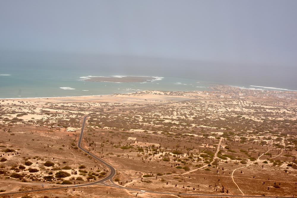 View of the coast since the plane. Vue de la côte depuis l'avion.