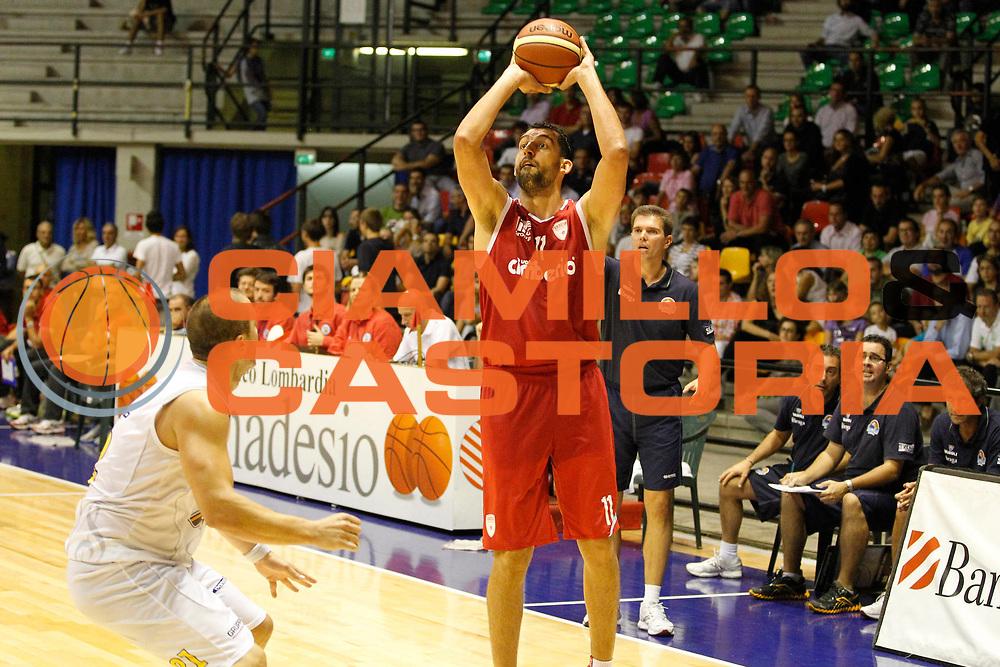 DESCRIZIONE : Desio Trofeo Lombardia Lega A 2011-12 Vanoli Braga Cremona Cimberio Varese<br /> GIOCATORE : Luca Garri<br /> CATEGORIA : Tiro Three Points<br /> SQUADRA : Cimberio Varese<br /> EVENTO : Campionato Lega A 2011-2012<br /> GARA : Vanoli Braga Cremona Cimberio Varese<br /> DATA : 24/09/2011<br /> SPORT : Pallacanestro<br /> AUTORE : Agenzia Ciamillo-Castoria/G.Cottini<br /> Galleria : Lega Basket A 2011-2012<br /> Fotonotizia : Desio Trofeo Lombardia Lega A 2011-12 Vanoli Braga Cremona Cimberio Varese<br /> Predefinita :