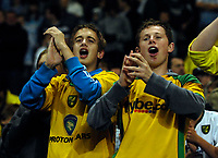 Photo: Jed Wee/Sportsbeat Images.<br /> Manchester City v Norwich City. Carling Cup. 25/09/2007.<br /> <br /> Norwich fans applaud their team's effort.