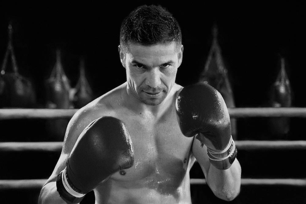 SERGIO 'MARAVILLA' MARTÍNEZ. Boxer.