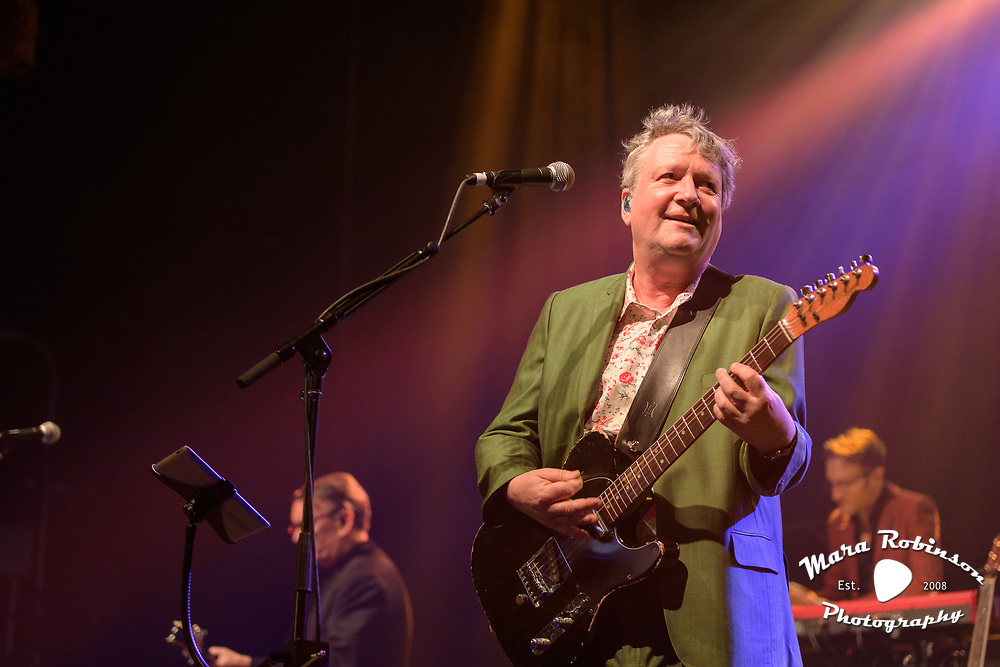 Squeeze, Glenn Tilbrook, Chris Difford at Goodyear Theater, concert photography by Cleveland music photographer Mara Robinson Photography