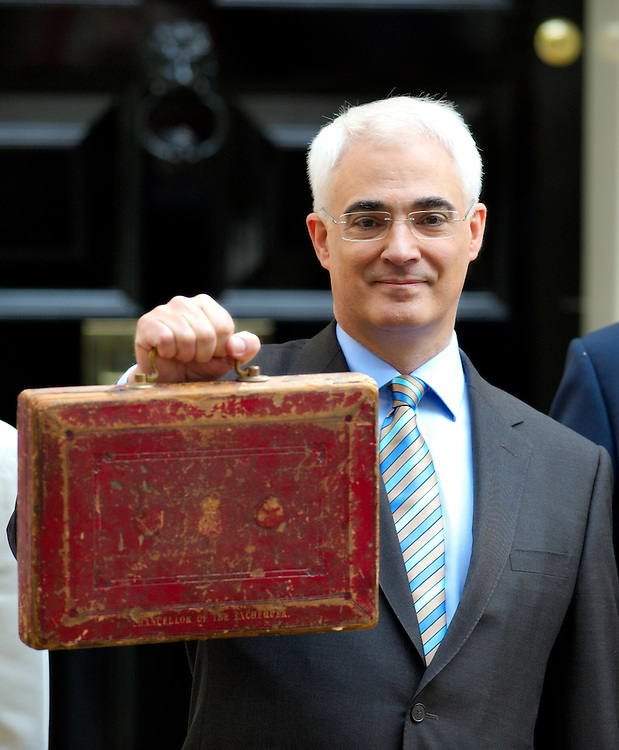 London April 22  Chancellor  Alistair Darling  leaves n11 Downing Street to deliver this year Budget...Standard Licence feee's apply  to all image usage.Marco Secchi - Xianpix tel +44 (0) 845 050 6211 .e-mail ms@msecchi.com .http://www.marcosecchi.com