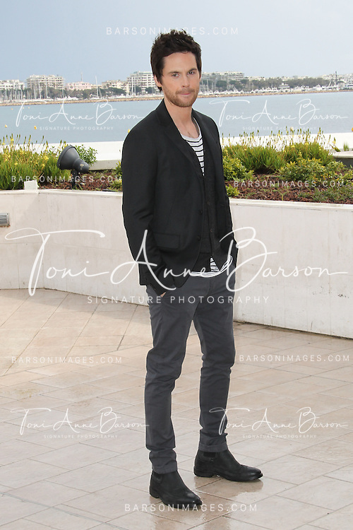 CANNES, FRANCE - APRIL 08:  Tom Riley attends  photocall for the TV serie 'Da Vinci's Demons' at MIP TV 2013 on April 8, 2013 in Cannes, France.  (Photo by Tony Barson/Getty Images)
