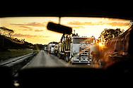 Botswana, Her i grænselandet holder flere end 200 lastbiler i kø hver aften og  prostitution er åbenlys og spredningen af aids tager sit udgangspunkt.