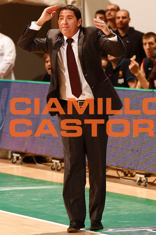 DESCRIZIONE : Siena Eurolega 2010-11 Montepaschi Siena Regal Barcellona Barcelona<br /> GIOCATORE : Xavier Pascual<br /> SQUADRA : Regal Barcellona Barcelona<br /> EVENTO : Eurolega 2010-2011<br /> GARA :  Montepaschi Siena Regal Barcellona Barcelona<br /> DATA : 17/11/2010<br /> CATEGORIA : coach<br /> SPORT : Pallacanestro <br /> AUTORE : Agenzia Ciamillo-Castoria/P.Lazzeroni<br /> Galleria : Eurolega 2010-2011<br /> Fotonotizia : Siena Eurolega Euroleague 2010-11 Montepaschi Siena Regal Barcellona Barcelona<br /> Predefinita :
