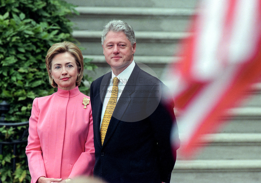 US President Bill Clinton and First Lady Hillary Rodham Clinton await the arrival of Colombian President Andres Pastrana and his wife, First Lady Nohra for a State Visit on the South Lawn of the White House October 28, 1998 in Washington DC.