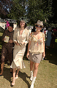 Fran Cutler, Annabel Neilson and Sadie Frost, Ascot, Wednesday 16 June 2004. ONE TIME USE ONLY - DO NOT ARCHIVE  © Copyright Photograph by Dafydd Jones 66 Stockwell Park Rd. London SW9 0DA Tel 020 7733 0108 www.dafjones.com