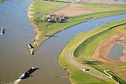 Nederland, Gelderland, Arnhem, 11-02-2008; IJsselkop, op dit punt splist de rivier de Rijn: naar links de Neder-Rijn, naar rechts de IJssel; de IJssel is gekanaliseerd, de Rijnoevers hebben kribben i.v.m. bevaarbaarheid van de rivier, het voorkomen van afzetting van sediment; binnenvaart, beroepsvaart, rijnaak, verkeer en vervoer, scheepvaart, waterbeheer, ijssel kop ..luchtfoto (toeslag); aerial photo (additional fee required); .foto Siebe Swart / photo Siebe Swart