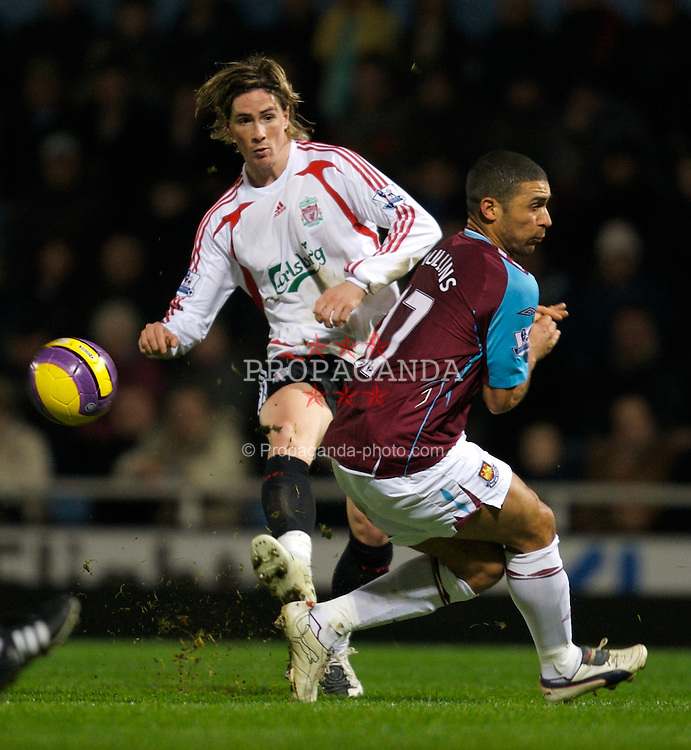 LONDON, ENGLAND - Wednesday, January 30, 2008: Liverpool's Fernando Torres and West Ham United's Hayden Mullins during the Premiership match at Upton Park. (Photo by David Rawcliffe/Propaganda)