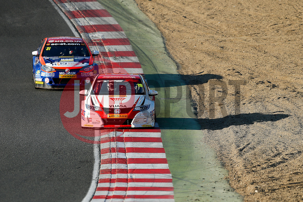 Race Winner Matt Neal | #25 Honda Yuasa Racing Civic Type R | Dunlop MSA BTCC | Race 3 - Photo mandatory by-line: Rogan Thomson/JMP - 07966 386802 - 05/04/2015 - SPORT - MOTORSPORT - Fawkham, England - Brands Hatch Circuit - British Touring Car Championship Meeting Day 2.