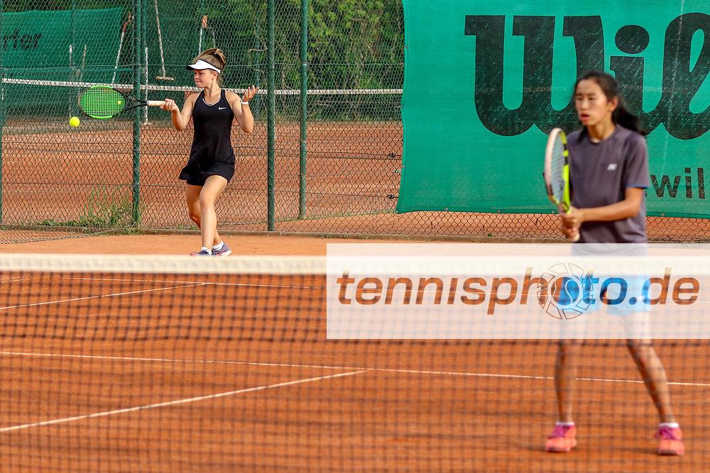 Helena Buchwald (SV Zehlendorfer Wespen 1911) und Julia Zhu (Tennis-Club SCC Berlin), Verbandsmeisterschaften des TVBB (Damen und Herren), Berlin, 01.06.2018, Foto: Claudio Gärtner