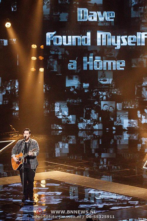 """NLD/Hilversum/20160129 - Finale The Voice of Holland 2016, Dave Vermeulen laat zijn nieuwe song horen """"Found Myself a Home"""""""