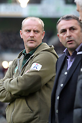 19.11.2011, BorussiaPark, Mönchengladbach, GER, 1.FBL, Borussia Mönchengladbach vs SV Werder Bremen, im BildThomas Schaaf (Trainer Werder Bremen) und Klaus Allofs (Geschaeftsfuehrer Profifussball Werder Bremen) // during the 1.FBL, Borussia Mönchengladbach vs Werder Bremen on 2011/11/19, BorussiaPark, Mönchengladbach, Germany. EXPA Pictures © 2011, PhotoCredit: EXPA/ nph/ Mueller..***** ATTENTION - OUT OF GER, CRO *****