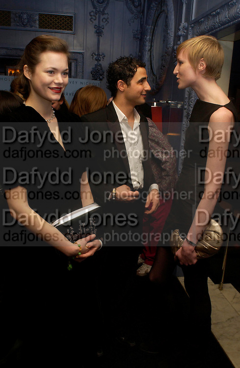 Jasmine Guinness, Zac Posen and Jade Parfait .  Zac Posen Spring/ Summer collection launch party. The Blue Bar, Berkeley Hotel. London. 7 March 2004. Dafydd Jones,  ONE TIME USE ONLY - DO NOT ARCHIVE  © Copyright Photograph by Dafydd Jones 66 Stockwell Park Rd. London SW9 0DA Tel 020 7733 0108 www.dafjones.com