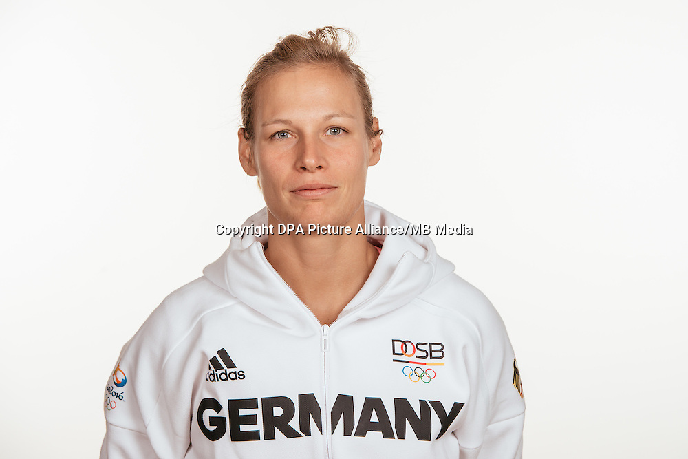 Kristina Reynolds poses at a photocall during the preparations for the Olympic Games in Rio at the Emmich Cambrai Barracks in Hanover, Germany, taken on 15/07/16   usage worldwide