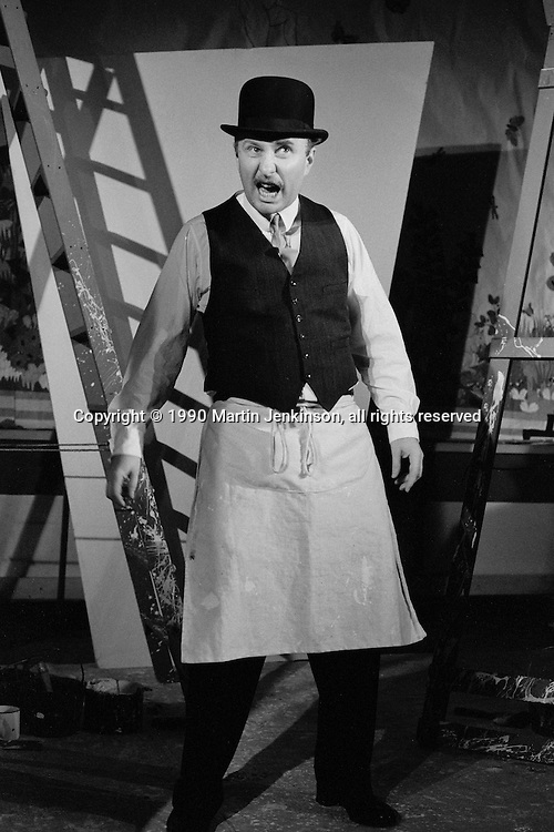 Mike McCarthy in Tressell a one man show about Robert Tressell. Sheffield Popular Productions sponsored by Nalgo. 27-07-1992