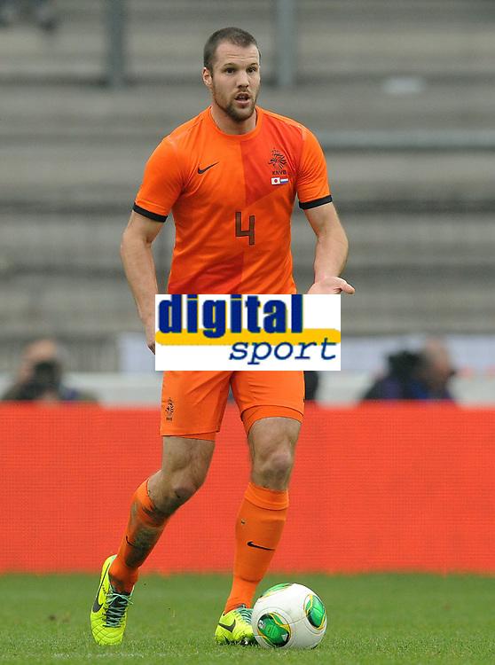 Fotball<br /> Nederland v Japan<br /> 16.11.2013<br /> Foto: Witters/Digitalsport<br /> NORWAY ONLY<br /> <br /> Ron Vlaar (Niederlande)<br /> <br /> Fussball, Testspiel, Japan - Niederlande