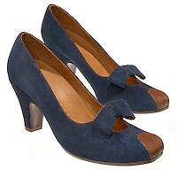 chie mihara suede heels