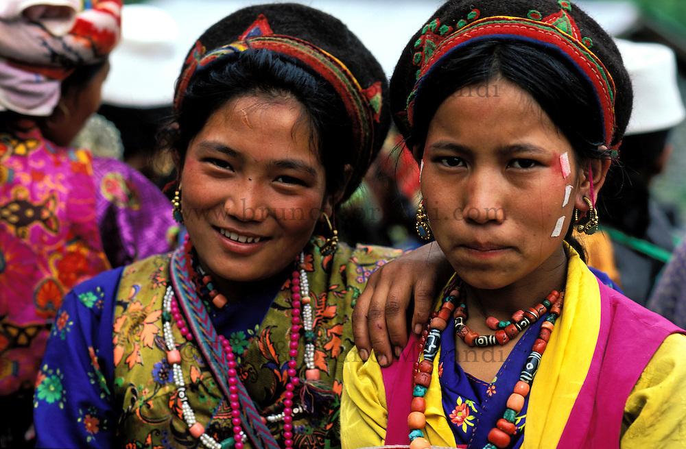 Nepal - Region de Gosaïnkund - Jeune femme d'ethnie Tamang