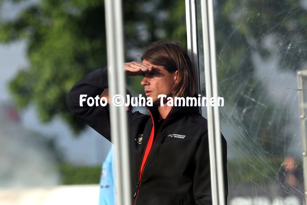 9.7.2012, Veritas stadion (Kupittaa), Turku..Veikkausliiga 2012..FC TPS Turku - FC Honka..Valmentaja Mika Lehkosuo - Honka.