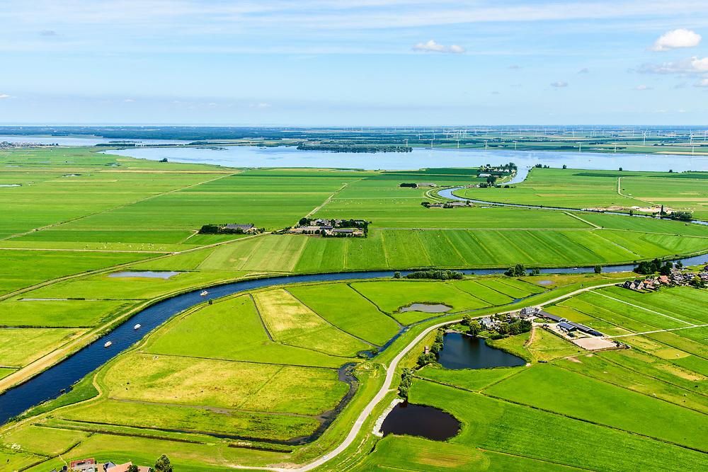 Nederland, Utrecht, gemeente Bunschoten, 17-07-20170; Eemdijk, in het kader van het Hoogwaterbeschermingsprogramma versterkt en verbeterd, met name verhoogd.<br /> The Eemdijk has been strengthened and increased in height in the context of the High Water Protection Program.<br /> luchtfoto (toeslag op standard tarieven);<br /> aerial photo (additional fee required);<br /> copyright foto/photo Siebe Swart