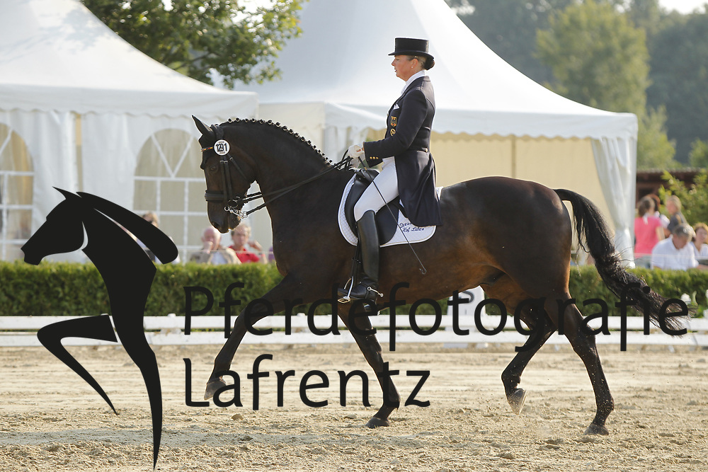 LÜHRS Karin, Sergeant Pepper TSF<br /> Dobrock/Wingst - 2011<br /> (c) www.sportfotos-Lafrentz. de/Stefan Lafrentz
