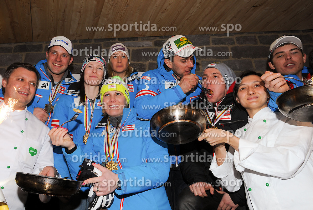 13.02.2013, Haus Ski Austria, Schladming, AUT, FIS Weltmeisterschaften Ski Alpin, Medaillen Party, im Bild v.l. Romed Baumann, Carmen Thalmann, Michaela Kirchgasser, Philipp Schörghofer, Nicole Hosp, Marcel Matthis, Marcel Mathis // at the Medal Party during FIS Ski World Championships 2013 at the Haus Ski Austria, Schladming, Austria on 2013/02/13. EXPA Pictures © 2013, PhotoCredit: EXPA/ Johann Groder