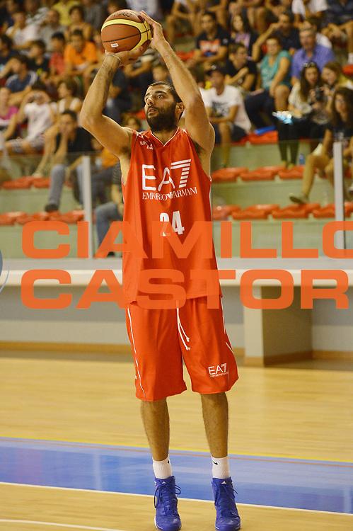 DESCRIZIONE : Bergamo EA7 Olimpia Milano Angelico Biella Amichevole<br /> GIOCATORE : Ioannis Bourousis<br /> CATEGORIA : tiro<br /> SQUADRA :  EA7 Olimpia Milano<br /> EVENTO : Amichevole<br /> GARA : EA7 Olimpia Milano Angelico Biella<br /> DATA : 30/08/2012<br /> SPORT : Pallacanestro <br /> AUTORE : Agenzia Ciamillo-Castoria/R. Morgano<br /> Galleria : Lega Basket A 2011-2012  <br /> Fotonotizia : Bergamo EA7 Olimpia Milano Angelico Biella Amichevole<br /> Predefinita :