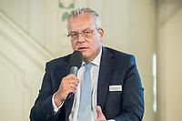 27 JUN 2017, BERLIN/GERMANY:<br /> Dr. Dieter Steinkamp, Vorstandsvorsitzender RheinEnergie AG, 25. bbh-Energiekonferenz &quot;Letzte Ausfahrt Dekarbonisierung Energie- und Mobilit&auml;tswende&quot;, Franz&ouml;sischer Dom<br /> IMAGE: 20170627-01-126
