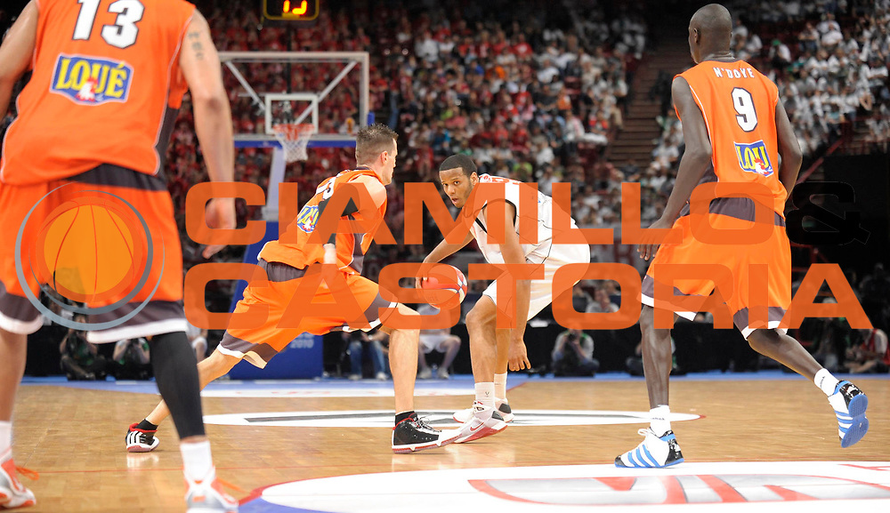 DESCRIZIONE : Ligue France Pro A  Le Mans Cholet  Finale<br /> GIOCATORE : Mejia Samuel <br /> SQUADRA : Cholet <br /> EVENTO : FRANCE Ligue  Pro A 2009-2010<br /> GARA : Le Mans Cholet<br /> DATA : 13/06/2010<br /> CATEGORIA : Basketball Pro A Action<br /> SPORT : Basketball<br /> AUTORE : JF Molliere par Agenzia Ciamillo-Castoria <br /> Galleria : France Ligue Pro A 2009-2010 <br /> Fotonotizia : Ligue France Pro A Le Mans Cholet Finale<br /> Predefinita :