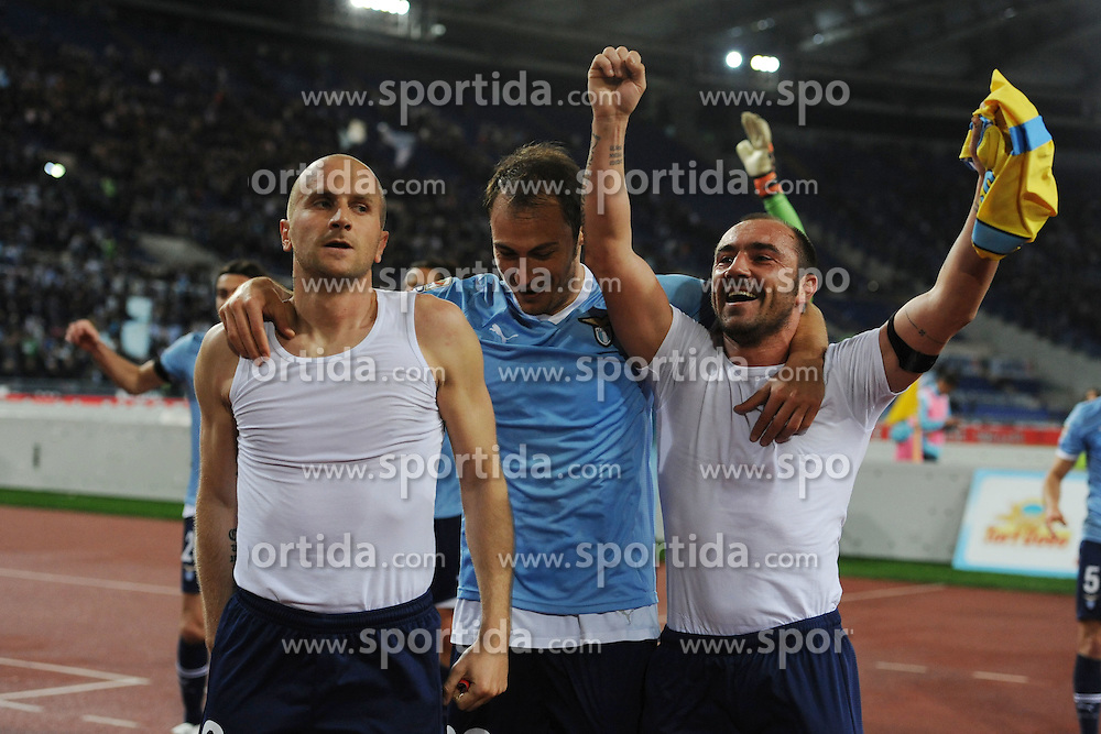 07.04.2012, Olympiastadion, Rom, ITA, Serie A, Lazio Rom vs SSC Neapel, 31. Spieltag, im Bild Tommaso Rocchi, Stefan Radu e Cristian Brocchi festeggiano la vittoria // during the football match of Italian 'Serie A' league, 31th round, between Lazio Rom and SSC Neapel at Olympic Stadium, Rome, Italy on 2012/04/07. EXPA Pictures © 2012, PhotoCredit: EXPA/ Insidefoto/ Antonietta Baldassarre..***** ATTENTION - for AUT, SLO, CRO, SRB, SUI and SWE only *****