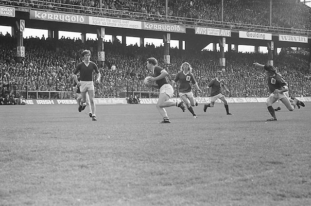 Galway player runs with the ball during the All Ireland Senior Gaelic Football Championship Final Dublin V Galway at Croke Park on the 22nd September 1974. Dublin 0-14 Galway 1-06.