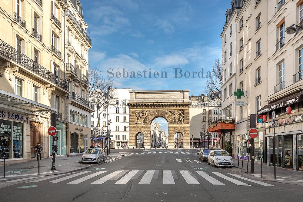 Porte Saint-Denis dans le quartier de Strasbourg Saint-Denis // Saint-Denis door near Strasbourg Saint-Denis area