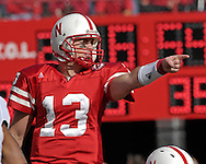 University of Nebraska quarterback Zac Taylor points out some instructions in the first half against Missouri at Memorial Stadium in Lincoln, Nebraska, November 4, 2006.  The Huskers defeated the Tigers 34-20.<br />