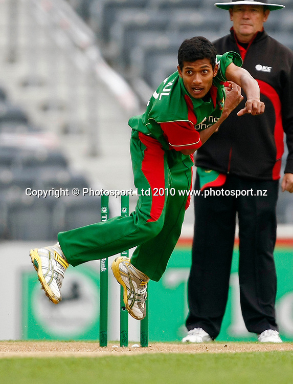 Bangladeshi bowler Shafiul Islam. International One Day Cricket, New Zealand Blackcaps v Bangladesh, AMI Stadium, Christchurch, New Zealand. Thursday 11 February 2010. Photo: Simon Watts/PHOTOSPORT
