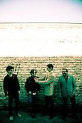 «Los Jardines Humanos» es un proyecto musical inicialmente formado en 2010 para la grabar sólo 6 temas de un EP. .Un año después, Matías Amoçain (voz, guitarra, composición), Julio Denis (batería), Pablo Torrejón (contrabajo) e Iván «Novita» Silva (guitarras), comenzaron a presentarse en vivo y a madurar un repertorio que daría forma a su LP debut de 2012...Si bien «Los Jardines Humanos» -llamados así en tributo a una frase de una canción de Violeta Parra- comenzaron navegando en las aguas del folk-rock, el rodaje en vivo y la natural evolución musical los ha llevado a visitar playas más eléctricas y directas, donde The Beatles, Johnny Cash, y Neil Young, conviven con The Pretenders, Blondie y la E.L.O. Santiago de Chile. 24-08-2012 (©Alvaro de la Fuente/Triple.cl